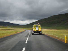 Many vehicles on Iceland is equipt with bigger tyres, higher cars and more tough body!