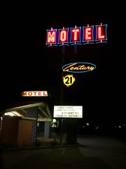 Century 21 Motel - Las Cruces, NM (Lon_Donner) Tags: neon vintagemotelsigns