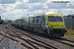 4008 passes Portlaoise, 18/8/15 (hurricanemk1c) Tags: irish train rail railway trains railways caf irishrail intercity portlaoise 2015 mark4 iarnród 4008 éireann iarnródéireann 1420corkheuston