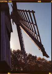 20151025_Molfsee I 06 (Azouras Defeat) Tags: windmill mediumformat kodak freilichtmuseum kiel windmhle portra160 sekor mittelformat molfsee tetenal mamiya645pro colortecc41 4x65cm linoscan1450 newcolor5000