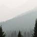 Malmente víamos a silhueta das montanhas ao redor