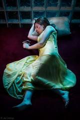 Bella Dorment - Sleeping Beauty (laiacantenys) Tags: sleeping art beauty dark photography sadness mujer women arte princess cuento princesa tale oscuridad fotografía