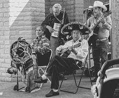 msica en vivo (apg_lucky13) Tags: people blackandwhite bw music newmexico monochrome hat musicians canon outdoors image guitar live hats sombrero creator accordian lascruces jdc msicaenvivo 40d jasdaco
