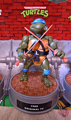 "Nickelodeon ""HISTORY OF TEENAGE MUTANT NINJA TURTLES"" FEATURING LEONARDO - ORIGINAL '88 LEONARDO ii (( 2015 )) (tOkKa) Tags: 2005 toys comic 1988 2006 1993 1992 leonardo figures toysrus 2012 2007 teenagemutantninjaturtles tmnt nickelodeon 2014 2015 displaystand playmatestoys ninjaturtlesthenextmutation toysrusexclusive tmntfastforward toontmnt tmntmovie4 turtlemilkstudios eastmanandlairdsteenagemutantninjaturtles moviestartmnt varnerstudios toonleo paramountteenagemutantninjaturtles 4kidstmnt paramountsteenagemutantninjaturtles tmnt2003 historyofteenagemutantninjaturtlesfeaturingleonardo davearshawsky tmnt2014movie"