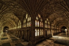 'The Tourists'        (see description) (Milesofgadgets) Tags: samyang10mmf28edasncscsultrawideangle pentaxk3ii gloucestercathedral medievalarchitecture ukcathedrals medieval architecture cathedral gloucester cloisters gloucestercathedralcloisters