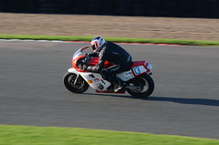 DSC_5406 (102er) Tags: racing car motorsport cars race racecar auto motorracing bike bikes motorcycle motorbike mallory park mallorypark plum pudding plumpudding uk nikon d7000 tamron