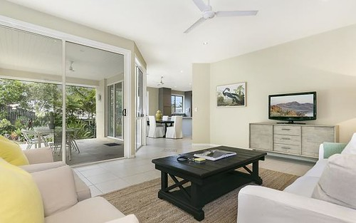 2/7 Scenic Rd, Kenmore Qld 4069