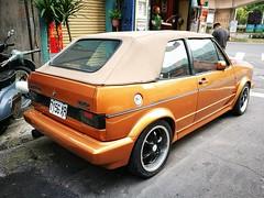 Nice old style VW Golf (Alfred Life) Tags: taipei taiwan 台北市 台灣 福斯 vw volkswagen 大眾 高爾夫 golf 徠卡 華為 华为 summarit asph leica leicaduallenses summarith12227asph plus p9 huawei huaweip9plus summarith12227 徕卡 p9p