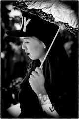 Lady in the Sun (Andy J Newman) Tags: street portrait england nikon unitedkingdom candid gb longashton bristolballoonfiesta d7100 silverefex