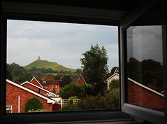 Picture Window (Time Grabber) Tags: glastonbury tor darbuka goddesstemple glastonburythorn timegrabber ommadom picnicnearthetor