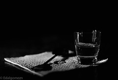 Vida & Salud / Life & Health (edalgomezn78) Tags: life light blackandwhite white black art water dark 50mm nikon health d7000