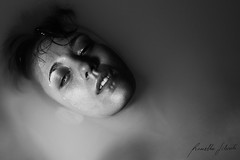 I'm drowning (Rossella Silvestri) Tags: 2 white black contrast canon naked scary model sara mark 5d esposito rossella silvestri 650d 25105