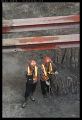 _8B08526 copy (mingthein) Tags: life people workers construction nikon availablelight g photojournalism documentary engineering hong kong pj ming connection vr afs reportage onn 80400 f4556 d810 thein 804004556 photohorologer mingtheincom afs804004556vr