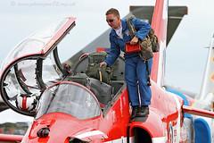 5847 C2 (photozone72) Tags: canon aviation blues reds redarrows raf rafat groundshots circusatwork