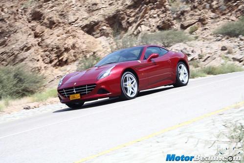 2015-Ferrari-California-T-04