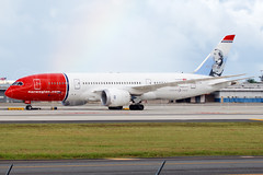 Norwegian Long Haul EI-LNH (Boeing 787 - MSN 36526@ SJU Puerto Rico — en SJU International Airport. (Hector A Rivera Valentin) Tags: en puerto airport long norwegian rico international msn boeing haul sju 787 — 36526 eilnh