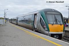 22062+22040 at Portarlington, 31/10/15 (hurricanemk1c) Tags: irish train rail railway trains railways irishrail portarlington 2015 iarnród éireann iarnródéireann