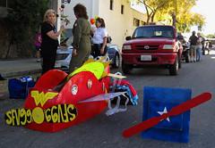 Lady Pilots Return to the 2015 Doo Dah Parade (Robb Wilson) Tags: pasadena doodahparade freephotos ladypilots cardboardplanes 2015doodahparade