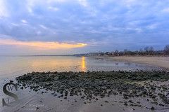 Sunset at Walnut Beach this evening (Singing With Light) Tags: sunset fall reflections photography cool 1212 downtown december sony ct batman milford walnutbeach mirrorless sonykitlens sony16mm28 bahbahra singingwithlight singingwithlightphotography sonya6000 sony24240 lightjj 22nd12th