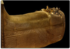 Outer Coffin of Tutankhamun (oar_square) Tags: egyptianreligion egyptianart coffinsofkingtutankhamun discoveredbyhowardcarter mummifiedfigureofosiris crook flail