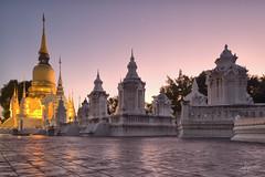 Wat Suan Dok, Chiang Mai (PiTiS ¬~) Tags: chiang mai watsuandok temple templo asia thailand thailandia tailandia travel viajar sunset atardecer cielo sky