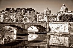 il Tevere (Aránzazu Vel) Tags: roma tevere sepia sanpietro ponte bridge puente reflections riflessi reflejos italia architecture architettura