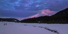 Early Morning in Mt Hood NF, OR. (Photographers at Work). (Sveta Imnadze) Tags: nature landscape winter mthood mthoodnf snow sunrise oregon outdoors whiteriversnowpark