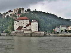 Passau in the Rain (zorro1945) Tags: rain germany bayern deutschland bavaria danube passau donau cityofthreerivers dreiflussestadt riverilz