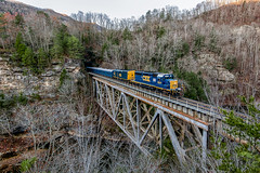 Santa Train Pool Point, Ky.- (Vince Hammel Jr) Tags: railroad trains csx clinchfield