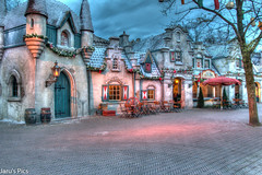 Anton Pieck Plein (Jaru's Pics) Tags: old night canon buildings photography evening colours sigma filter nd roller anton efteling avond coaster hdr 1835mm 70d pieck