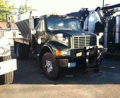 Camden County, NJ 1989 International 4900 4x2 plow-sander - truck No. 7_2 (JMK40) Tags: international 4900 dt466 camden county nj highwaydepartment government municipal snow plow sander truck