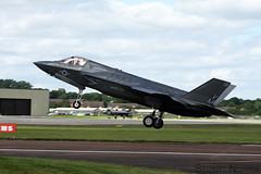 F-35B Lightning II 168726 / VM-18 - VMFAT-501 MCAS Beaufort (stu norris) Tags: f35b lightningii 168726 vm18 vmfat501 mcasbeaufort lockheedmartin riat egva ffd fairford usmc airshow aviation jet marines outdoor