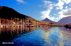 South Africa: Hout Bay (mariofalcetti) Tags: southafrica houtbay harbor porto seascape landscape boats barche water sea