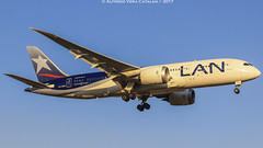 Boeing 787-8 Dreamliner CC-BBG LATAM Airline, Arriving To SCEL Rwy 17L From Sao Paulo! (AlfredoVera82) Tags: boeing 7878 dreamliner ccbbg latam airline scl santiago chile gru sao paulo brasil latin american 17l amb spotting day spotter canon t3i