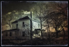 Where sadness dwells... (Sherrianne100) Tags: moody farmhouse lonely dilapidated missouri ozarks oldhome