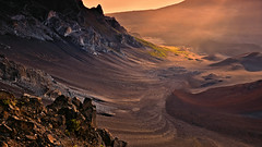 An Alignment of Light and Life (Kevin Benedict Photography) Tags: haleakala nationalpark maui hawaii nikon landscape volcano island volcanic crater mountain caldera scree cinder cone mountains summit sunrise photobenedict dawn clouds rays light pacific ocean hotspot fog morning shieldvolcano dormant