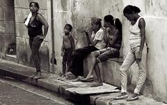 waiting (visionhunter) Tags: people streetart waiting outdoor cuba streetlife menschen havanna kuba personen urbanlife stadtleben 40d visionhunter