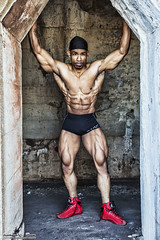 Bodybuilder - Jeremy - Chicago (RickDrew) Tags: usa chicago man black canon illinois big healthy muscle il cap strong strength bodybuilder doo rag fit mk5