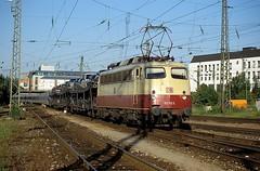 113 312  München - Ost  20.06.95 (w. + h. brutzer) Tags: analog train germany deutschland nikon 110 eisenbahn railway zug trains db locomotive 112 113 lokomotive e10 elok eisenbahnen münchenost eloks webru