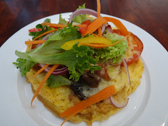 3-egg omelette (Home Land & Sea) Tags: newzealand cheese tomato mushrooms bacon nz eggs brunch onion napier pointshoot sonycybershot omelette hawkesbay theboardwalk ahuriri homelandsea dschx100v