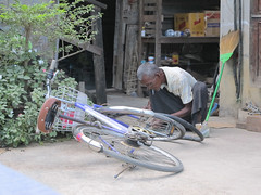 "Nyaungshwe (Lac Inlé) <a style=""margin-left:10px; font-size:0.8em;"" href=""http://www.flickr.com/photos/127723101@N04/23118635319/"" target=""_blank"">@flickr</a>"
