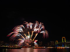 PC180874 (manabu kato) Tags: bridge rainbow fireworks sigma 19mm yakatabune epm2