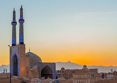 jameh masjid or friday mosque, Yazd Province, Yazd, Iran (Eric Lafforgue) Tags: city travel building tourism horizontal architecture facade outdoors day iran minaret muslim islam middleeast style persia nobody nopeople mosque dome iranian copyspace ornate friday masjid islamic yazd persiangulfstates  buildingexterior fulllenght  16034 jameh colourimage  iro jomeh  yazdprovince westernasia  middleeasternculture muslimislamicarchitecture