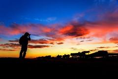 Read the caption ⬇️⬇️⬇️⬇️ (Johnson Barros) Tags: ferias travel trip vacations viagem photo trem cemitério cemitery sunset photographer sky