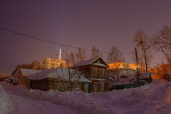 in the cold of the night (Sergey S Ponomarev) Tags: sergeyponomarev canon 70d eos zenit russia russie landscape paysage paesaggio city citta winter cold 40 freeze hdr buildings inverno stars tower notte neve snow lamp lantern house сергейпономарев киров вятка город ночь зима холод 2017 январь мороз россия