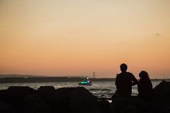 Sunset and Lovers (藍川芥 aikawake) Tags: sunset awesome magichour orange lovers oneoff beautiful stunning landscape sea beach gradients celebration 夕陽 日落 漂亮 expression emotion lastdayof2016 enjoy happiness