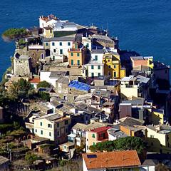 Corniglia, Cinque Terre, Italia (pom'.) Tags: panasonicdmctz30 march 2013 corniglia cinqueterre liguria italia italy europeanunion 100 200 150 300 5000