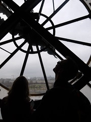 Sky gazing (wanderland.space) Tags: paris france clock people contrejour orsaymuseum museedorsay black couple indoor art museum seine