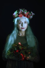 fi2 (sgladiate) Tags: woman age ageism preraphaelites fashion canon fineart paintings beauty