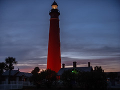Ponce de Leon Inlet Light, Daytona Beach (andbog) Tags: states usa florida nikon coolpix s9 fl unitedstatesofamerica compactcamera lowres lowresolution pointandshoot ps nikoncoolpixs9 faro dusk crepuscolo dark lighthouse light twilight houses clouds nuvole bluehour daytonabeach poncedeleoninletlight ponceinlet
